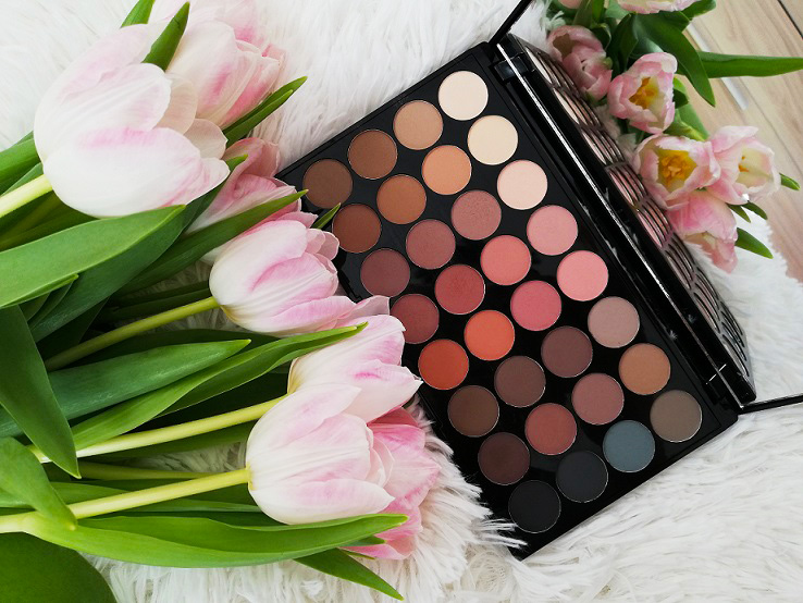 Ревю: Revolution Ultra 32 Shade Eyeshadow Palette – Flawless Matte